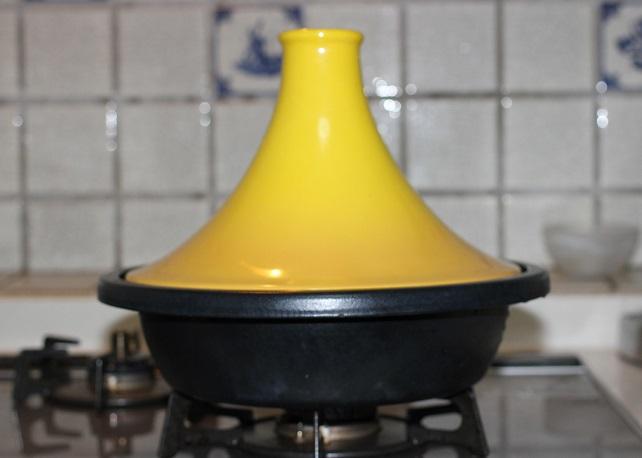 タジン鍋の写真