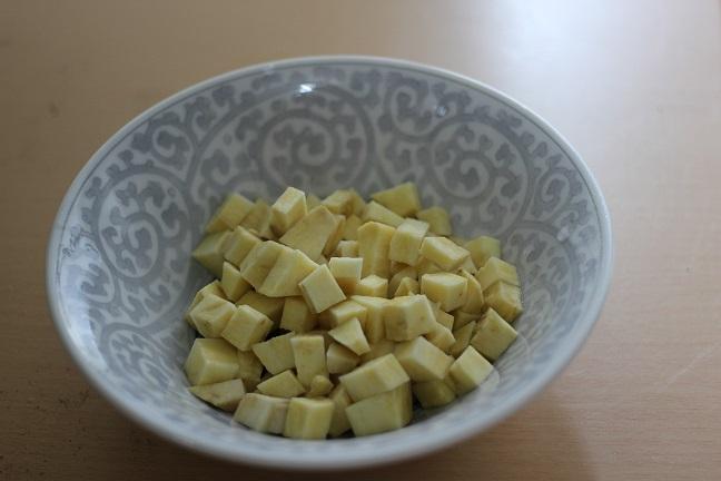 さつま芋を細かく切った写真