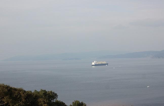 展望台から船が見える写真