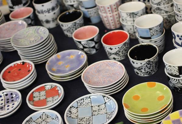 中尾山の陶器まつりのお皿の写真