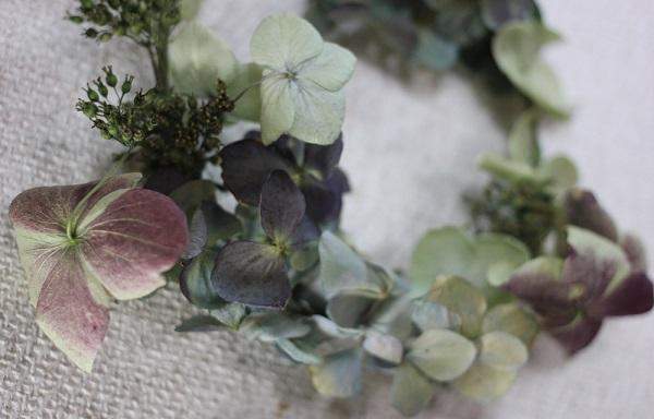 ドライフラワーになった紫陽花で作ったリース2のアップ写真