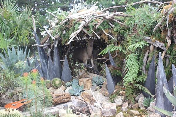庭のパビリオンの創作庭の写真