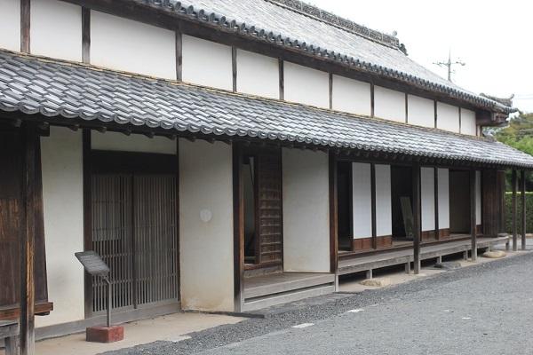 旧厚狭毛利家萩屋敷長屋の外観の写真