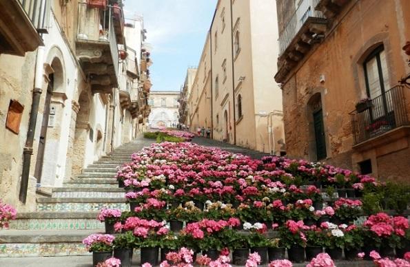 街のきれいな階段の写真