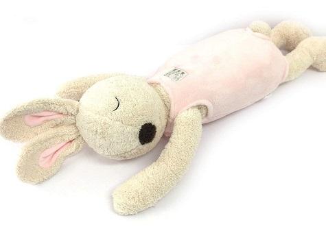 ねそべりうさぎの抱き枕 の画像