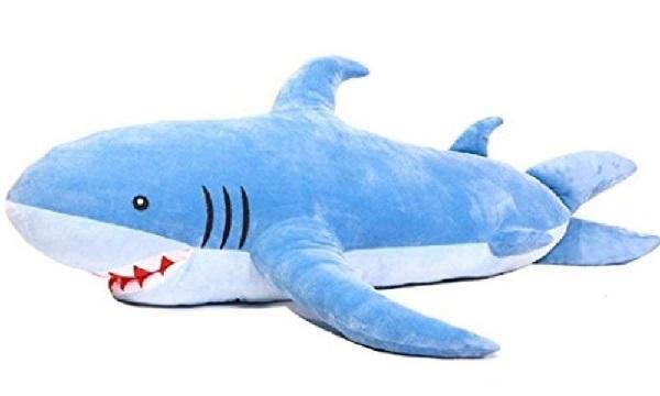 ふわふわぬいぐるみサメの画像