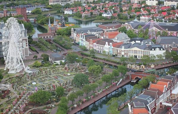 ドムトールンから見たハウステンボスの景色の写真