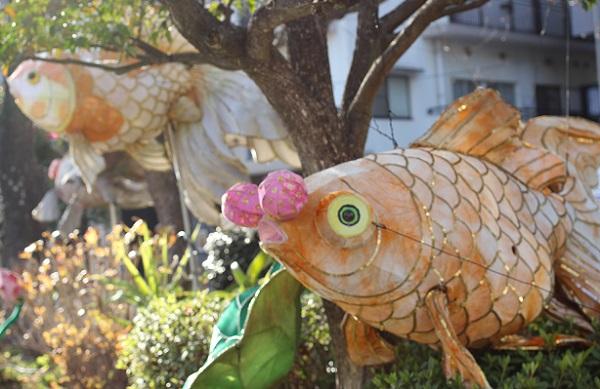 眼鏡橋付近、中島川沿いにある金魚のオブジェの写真