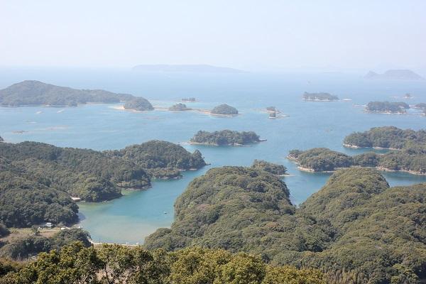 展海峰の展望台から平戸島を望む風景写真