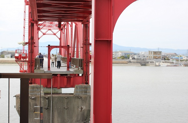 筑後川昇開橋の可動の様子(橋が上がってしまった)写真