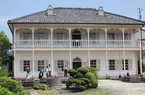 グラバー園の最上部にある旧三菱第二ドックハウスの外観写真