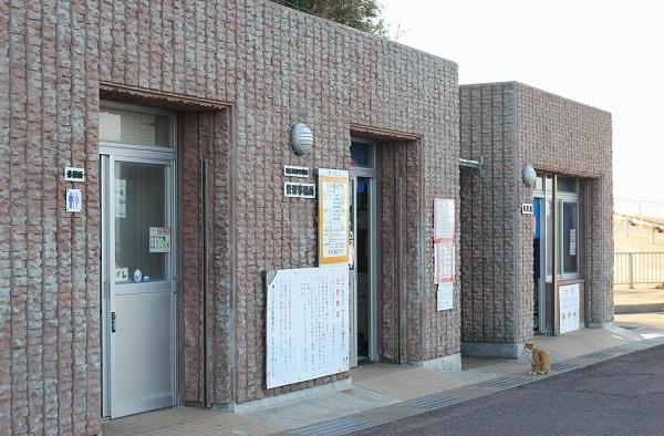 高島飛島釣り公園、入園券の販売所と釣り具のレンタル場の外観写真