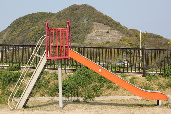 鼠島公園、滑り台の写真