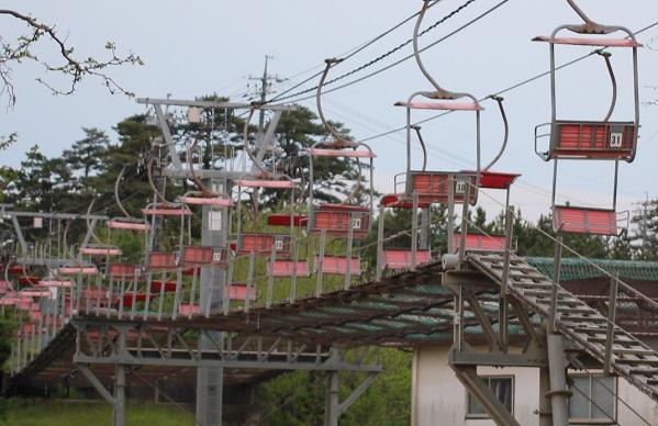 鳥取砂丘の砂丘リフトの写真(誰も乗っていない様子)