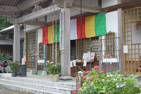 大聖寺、狩野かのう筆といわれる襖絵が残る本堂の写真