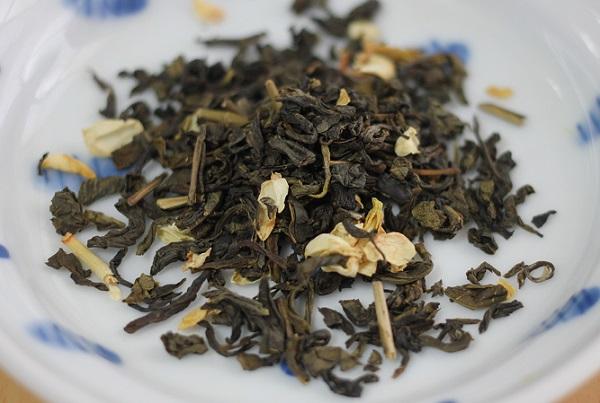 さんぴん茶の茶葉のアップ写真