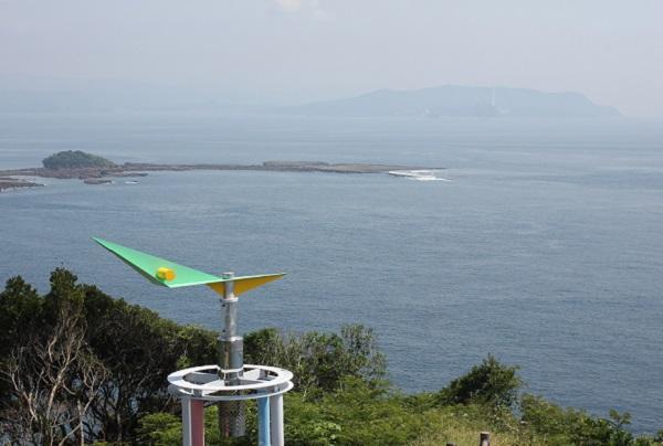 崎戸の展望台から見た風景写真、五島灘と池島他。