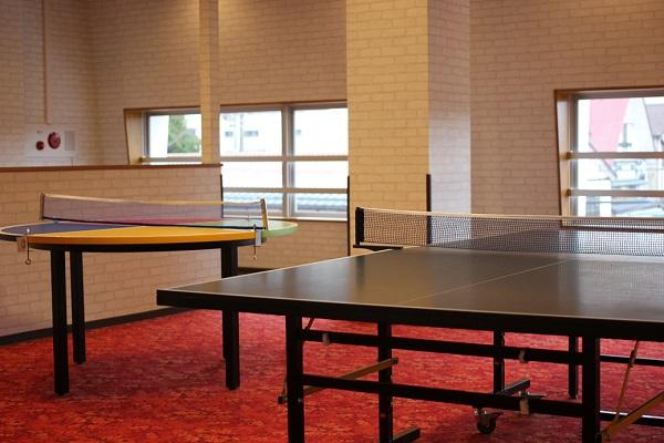 湯快リゾート、館内の卓球場の写真