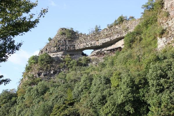 古羅漢の山、全体像の写真