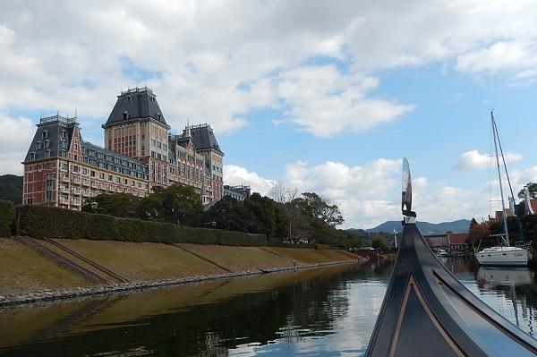 ハウステンボスの「ゴンドラ遊覧」からの景色、ホテルオークラJRハウステンボスの外観写真