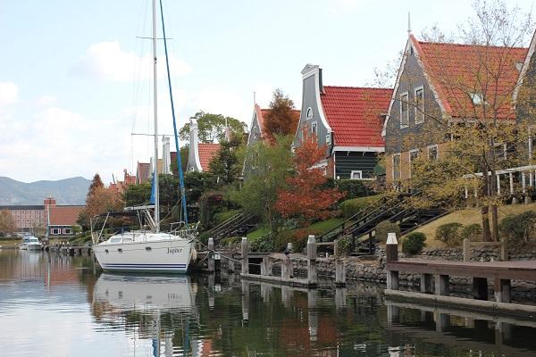 ハウステンボスの「ゴンドラ遊覧」からの景色、素敵なワッセナーとボートの写真