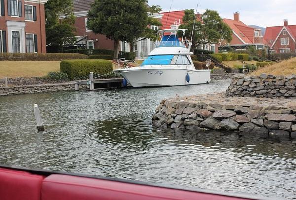 ハウステンボスの「ゴンドラ遊覧」からの景色、ワッセナーとボートの写真