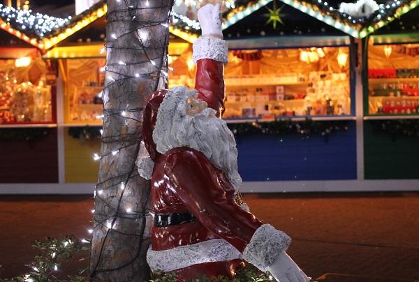 ハウスンボス、クリスマスマーケットにあるサンタの写真