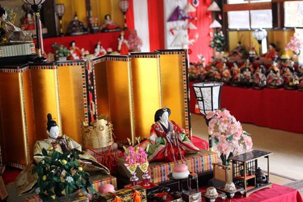長崎街道松原宿ひな祭り、雛人形や部屋の様子の写真