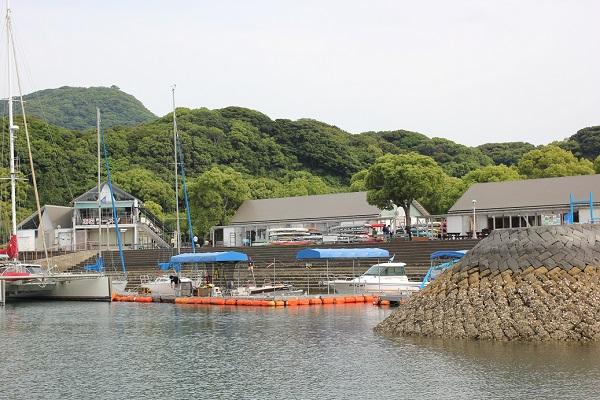 乗船した場所、桟橋の写真