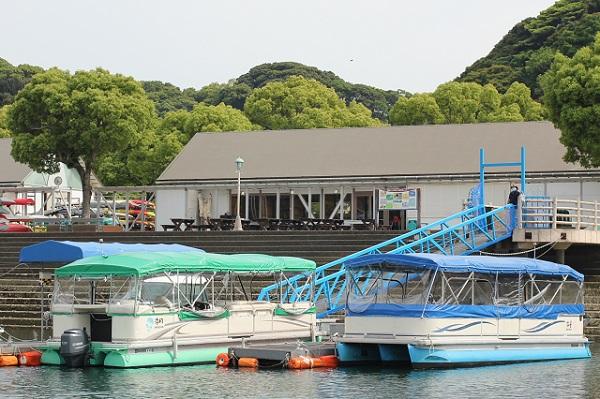 停泊中の九十九島リラクルーズの写真