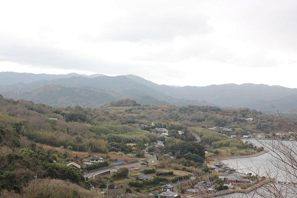 四本堂公園の展望台からの冬景色 町の様子他