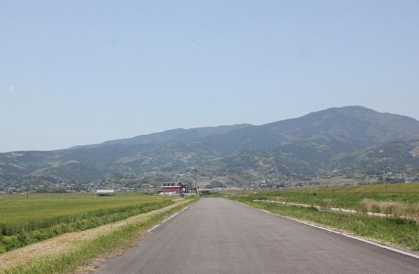 諫早湾干拓地の道路の写真