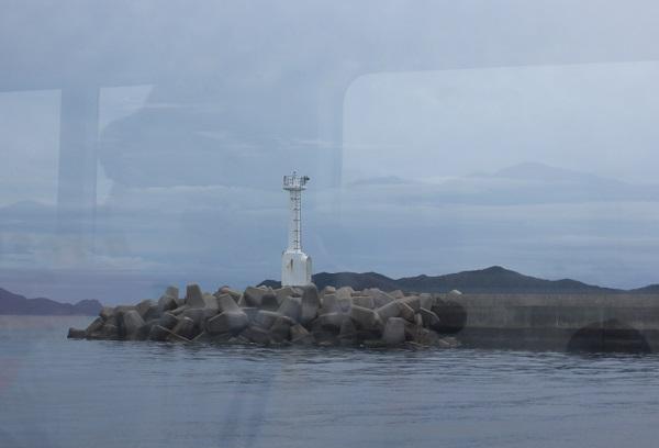 シーガルから見えた白い灯台の写真