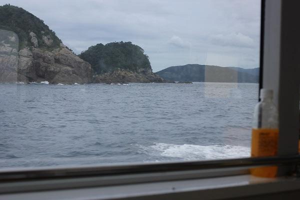 シーガルの窓、ペットボトルと外の景色
