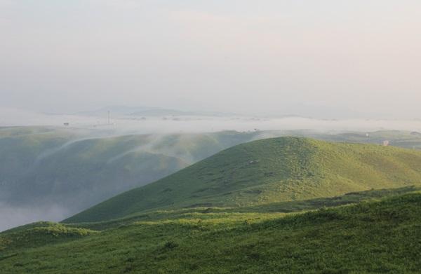 大観峰(だいかんぼう)草原と雲海