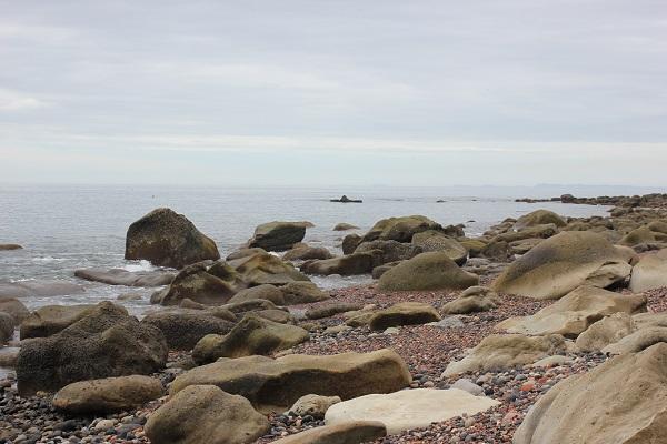 「ぜぜヶ浦」、岩と海の景色